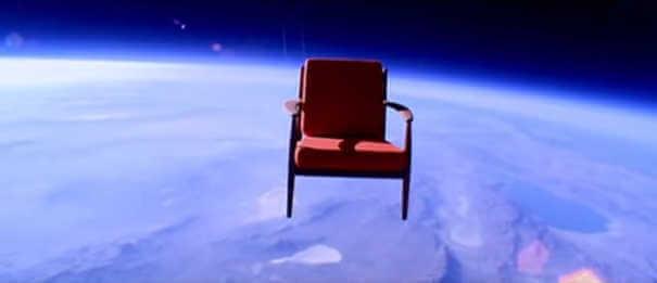 Cadeira - Coisas estranhas enviadas ao espaço