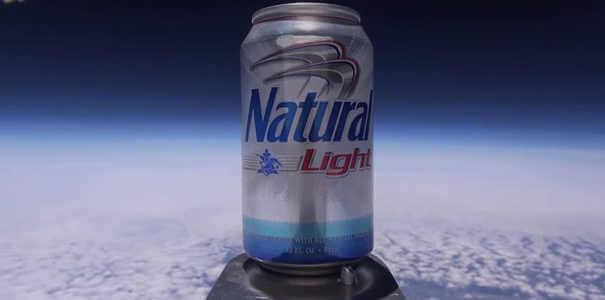 Latinha de cerveja - Coisas estranhas enviadas ao espaço
