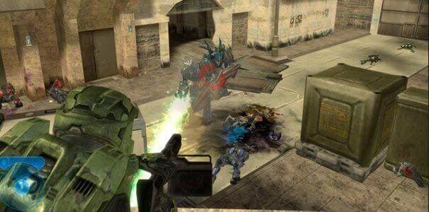 Cena de ação em Halo.