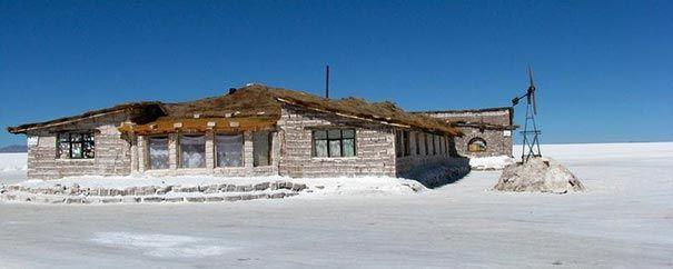 Hotel feito completamente de sal.