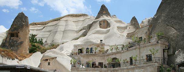Este foi feito em um conjunto de cavernas naturais.