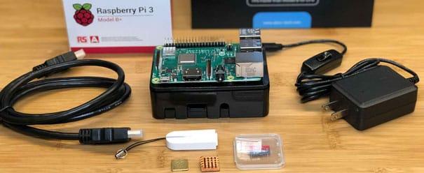 Retroconsole feito com uma Raspberry PI.