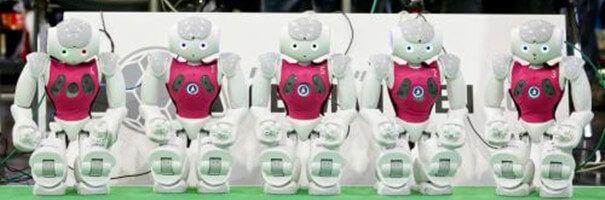 RoboCopa: robôs/jogadores prontos para a partida.