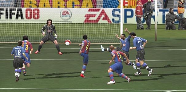 Um Chute Forte Para O Gol Em FIFA Soccer 2008